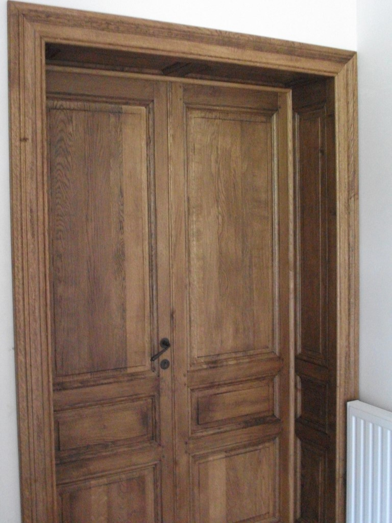 Fabrication artisanale l 39 ancienne de portes int rieure ch ne for Porte 2 battants interieur