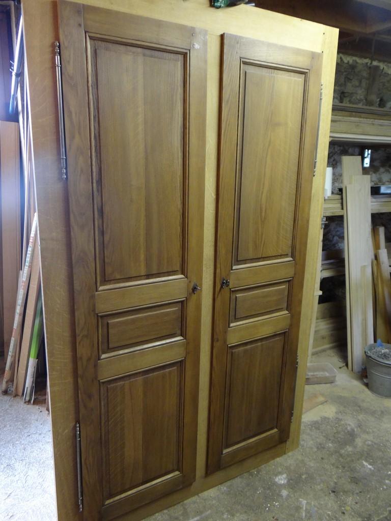 Fabrication artisanale à l\'ancienne de portes intérieure chêne